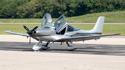 N25YT - Cirrus SR22-GTS Carbon - Private