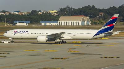 PT-MUF - Boeing 777-32WER - LATAM Airlines