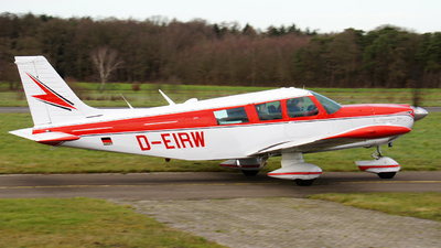 A picture of DEIRW - Piper PA32300 Cherokee Six - [3240074] - © Herb Hunter