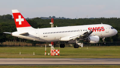 A picture of HBIJI - Airbus A320214 - Swiss - © SlowhanD