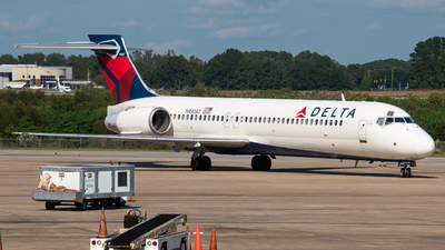 A picture of N930AT - Boeing 717231 - Delta Air Lines - © Devin | Charleston Spotter
