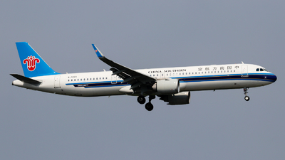 A picture of B30EX - Airbus A321253NX - China Southern Airlines - © Jackson Zheng