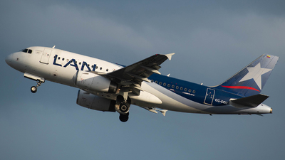A picture of CCCOZ - Airbus A319132 - LATAM Airlines - © Jeddy J Hooker