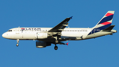 CC-BFA - Airbus A320-214 - LATAM Airlines