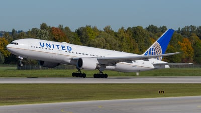 A picture of N783UA - Boeing 777222(ER) - United Airlines - © Günter Tiroler