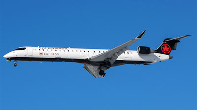 C-GJAZ - Bombardier CRJ-705LR - Air Canada Express (Jazz Aviation)