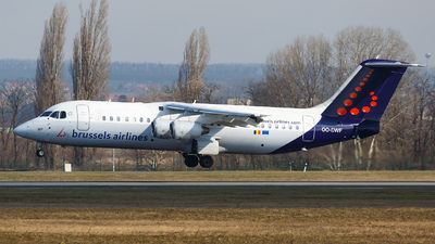 OO-DWF - British Aerospace Avro RJ100 - Brussels Airlines