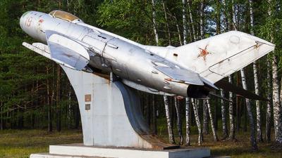 19 - Mikoyan-Gurevich MiG-19P Farmer D - Russia - Air Force