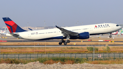 A picture of N404DX - Airbus A330941 - Delta Air Lines - © shao qi wei