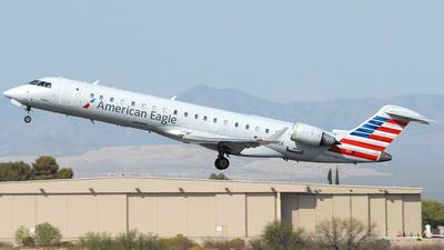 A picture of N705SK - Mitsubishi CRJ701ER - American Airlines - © Jason Whitebird