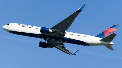 A picture of N1613B - Boeing 767332(ER) - Delta Air Lines - © Olivier Landes