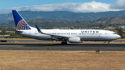 A picture of N77537 - Boeing 737824 - United Airlines - © Cristian Quijano