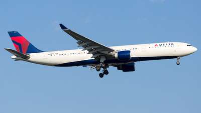 A picture of N811NW - Airbus A330323 - Delta Air Lines - © HA-KLS