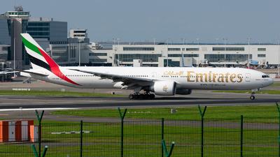 A picture of A6EQN - Boeing 77731H(ER) - Emirates - © Enrique Rubira