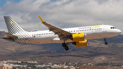 A picture of ECNAY - Airbus A320271N - Vueling - © Bartosz Szarszewski