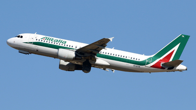A picture of EIDTA - Airbus A320216 - Italia Trasporto Aereo - © Javier Rodriguez - Amics de Son Sant Joan