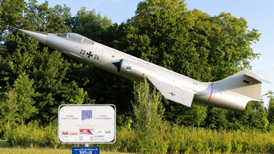 24-17 - Lockheed RF-104G Starfighter - Germany - Air Force