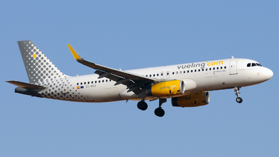 EC-MEA - Airbus A320-232 - Vueling Airlines