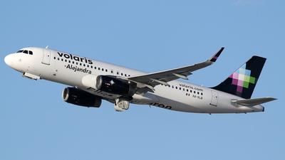 XA-VLB - Airbus A320-233 - Volaris
