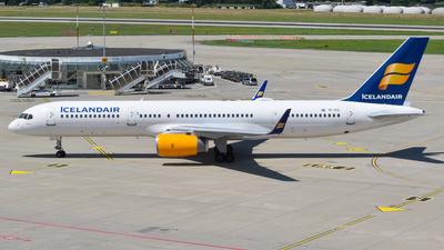 A picture of TFFIC - Boeing 75723N - Icelandair - © balducci aurelien