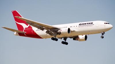 VH-EAQ - Boeing 767-238(ER) - Qantas