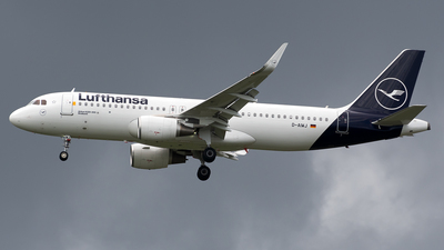 A picture of DAIWJ - Airbus A320214 - Lufthansa - © Michele Barban