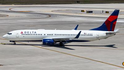 N3762Y - Boeing 737-832 - Delta Air Lines