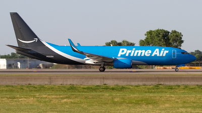 N5209A - Boeing 737-83N(BCF) - Amazon Prime Air (Sun Country Airlines)