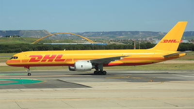 A picture of GBIKF - Boeing 757236(SF) - DHL - © Davide Galli