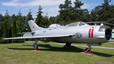 11 - Mikoyan-Gurevich MiG-19P Farmer D - Soviet Union - Air Force