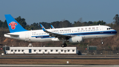 A picture of B1801 - Airbus A320232 - China Southern Airlines - © Jeff Tang