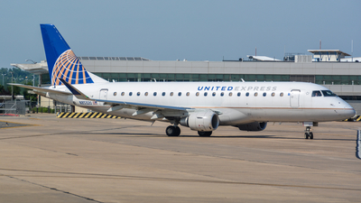 A picture of N85320 - Embraer E175LR - United Airlines - © Infinitely Flying