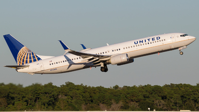 N72405 - Boeing 737-924 - United Airlines