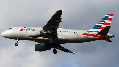 A picture of N701UW - Airbus A319112 - American Airlines - © Connor Cummings