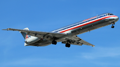 N499AA - McDonnell Douglas MD-82 - American Airlines