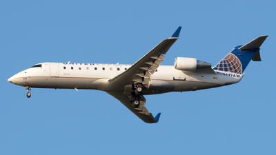 A picture of N449AW - Mitsubishi CRJ200LR - United Airlines - © Connor Ochs