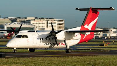 A picture of VHTQX - De Havilland Canada Dash 8200 - QantasLink - © LuftTaube