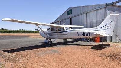VH-DWE - Cessna 172M Skyhawk - Private