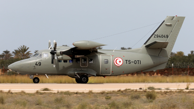 Z94049 - Let L-410UVP-E20 Turbolet - Tunisia - Air Force
