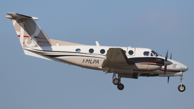 I-MLPA - Beechcraft 200 Super King Air - Private