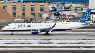 A picture of N329JB - Embraer E190AR - JetBlue Airways - © ne.planespotter