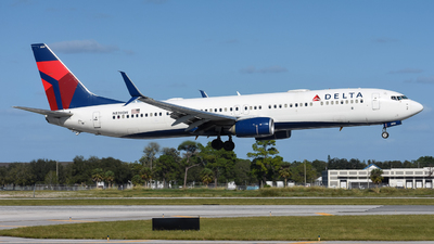 A picture of N839DN - Boeing 737932(ER) - Delta Air Lines - © Jake Oesterreich