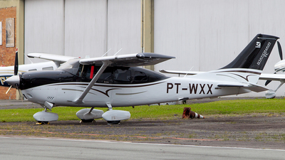 PT-WXX - Cessna 206H Stationair - Private