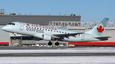 C-FXJC - Embraer 170-200SU - Air Canada Express (Sky Regional Airlines)