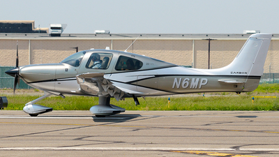 N6MP - Cirrus SR22-GTS Carbon - Private