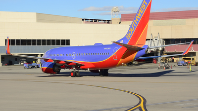 N492WN - Boeing 737-7H4 - Southwest Airlines