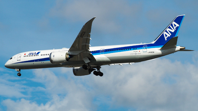 A picture of JA923A - Boeing 7879 Dreamliner - All Nippon Airways - © Sleepi