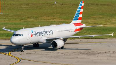 N121UW - Airbus A320-214 - American Airlines