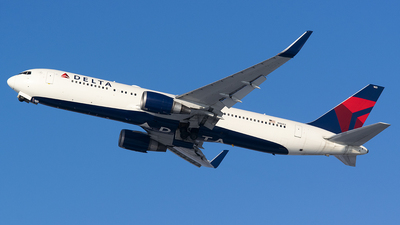 A picture of N1603 - Boeing 767332(ER) - Delta Air Lines - © John Newsome