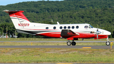 N223TP - Beechcraft B200 Super King Air - Private